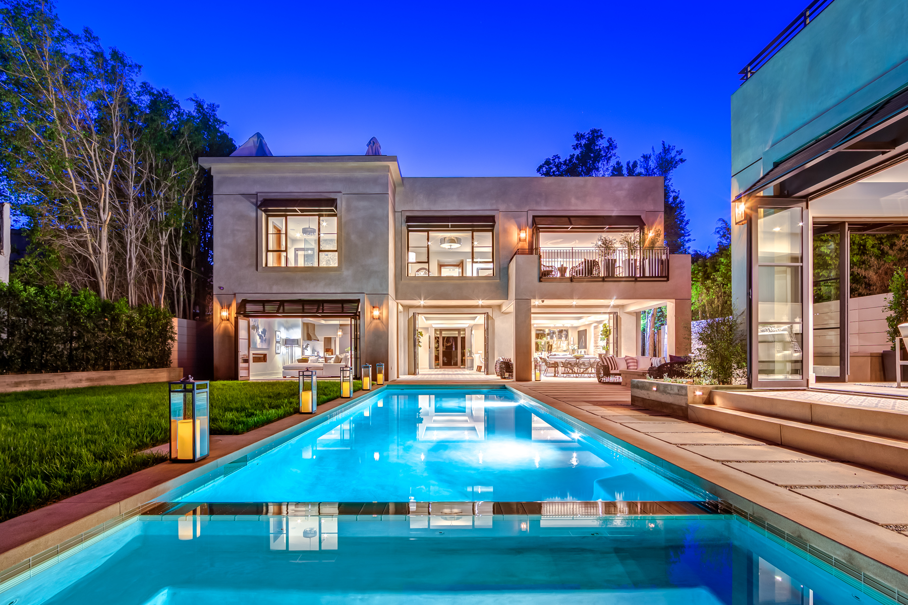 Villa orlando where luxury and location converge for Hollywood house for sale